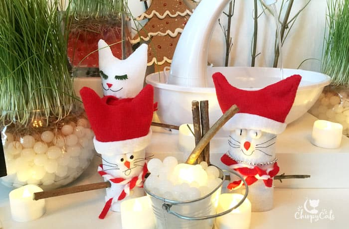 diy snowcat characters made from felt and empty toilet paper rolls